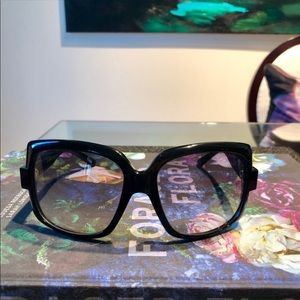 Dior sunglasses 🔥